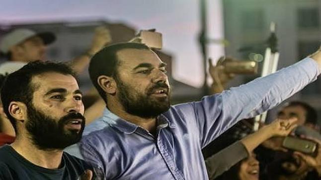 الزفزافي وأحمجيق يدعوان إلى التضامن مع المعتقلين بالدخول في إضراب عن الطعام لمدة 24 ساعة