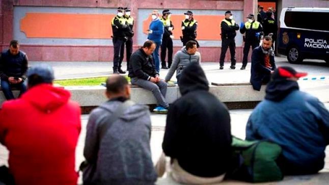"""سلطات سبتة تحاول إقحام """"حراكة"""" قاصرين وجزائريين ضمن لائحة المغاربة العالقين"""