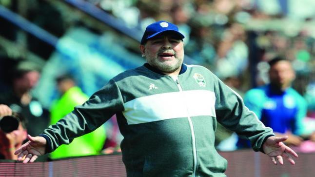 الأسطورة مارادونا مرشح لتدريب المنتخب الإسباني