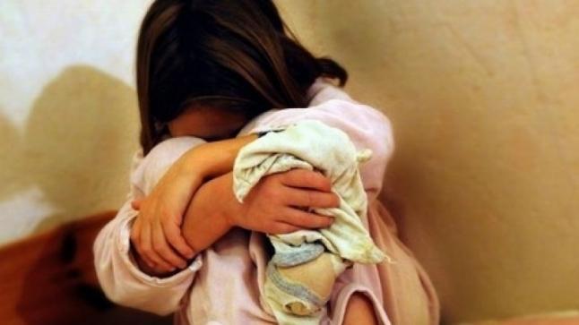اغتصاب طفلة ذات 3 سنوات تحت التهديد بالسلاح الأبيض وحقوقيون يطالبون بفتح تحقيق