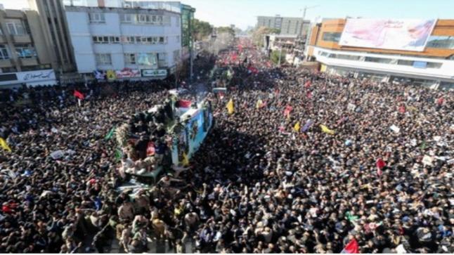 التدافع خلال جنازة سليماني يقتل العشرات بإيران