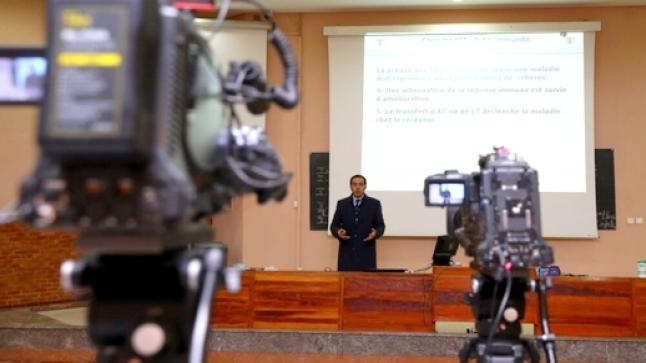 خوفا من شبح الموجة الثالثة لفيروس كورونا.. جامعة مغربية تعود لنظام الدراسة عن بعد