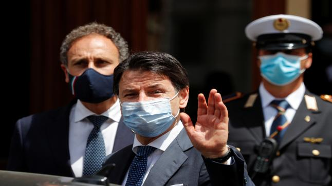 """إيطاليا تفرض تدابير صارمة للسيطرة على ارتفاع حالات الإصابة بفيروس """"كورونا"""""""
