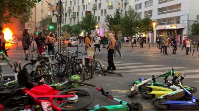 بالفيديو.. أعمال شغب ومواجهات مع الأمن بفرنسا في احتجاجات مناهَضةً للعنصرية