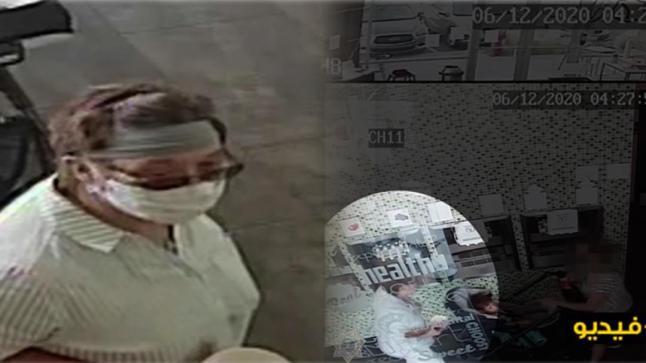 شاهدوا.. امرأة تزيل الكمامة وتسعل ثلاث مرات في وجه رضيع بمتجر تجاري