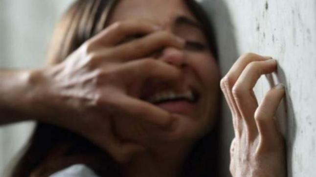 """رئيس جمعية لـ""""حماية الطفولة"""" يغتصب طفلة ويتسبّب في حملها"""
