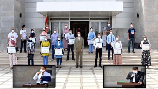 اللجنة الإقليمية للمبادرة الوطنية للتنمية البشرية تشرف على تسليم شواهد التكوين لأطباء ومولدات إقليم الدريوش