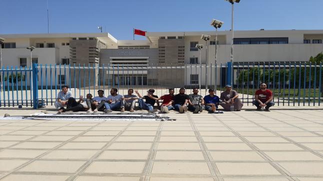 معطلوا تنسيقية الدريوش يعتصمون أمام عمالة الإقليم و يعلنون عيد الأضحى يوما احتجاجيا