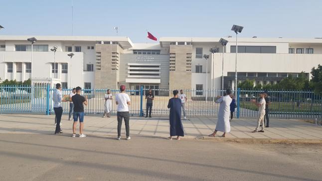 سابقة .. معطلي تنسيقية الدريوش للمعطلين يحتجون يوم العيد أمام مقر العمالة