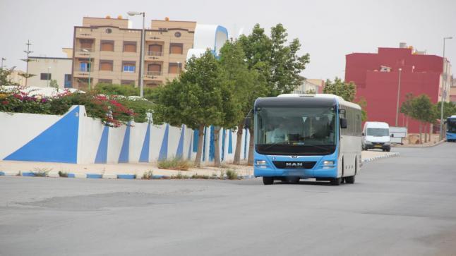 """سائق حافلة للنقل العمومي """"فيكتاليا"""" يحرم طلبة من الامتحانات"""